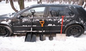 Лопати в автомобіль